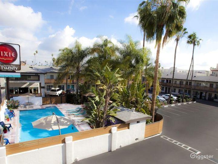 Stylish and Flexible Pool Area in LA Photo 2