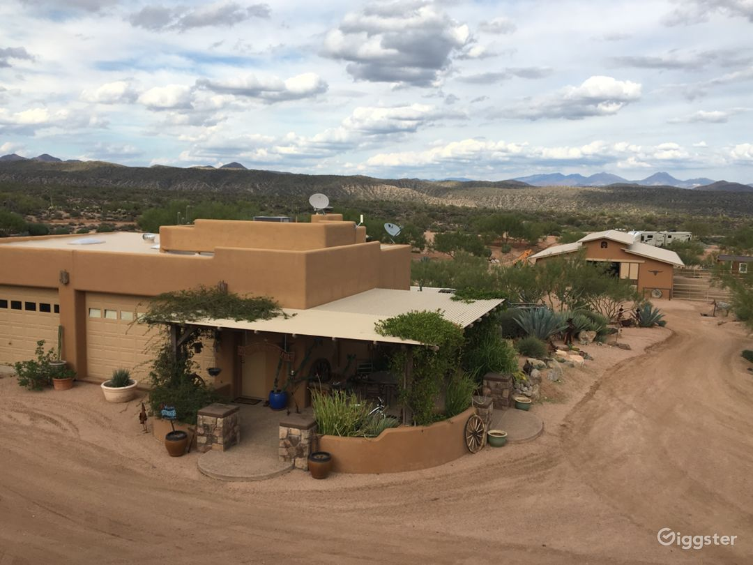 62 ac EcoRanch in the heart of the Sonoran Desert Photo 2