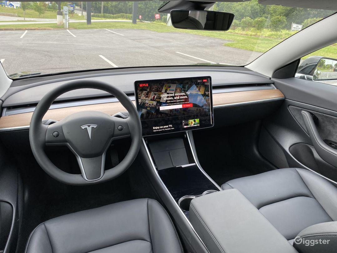 2020 Tesla Model 3 Photo 1