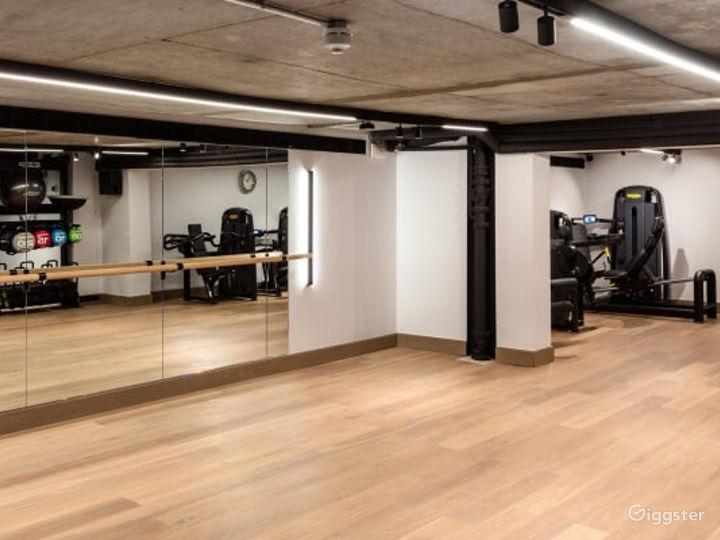 Modern Gym in London, Heathrow Photo 4