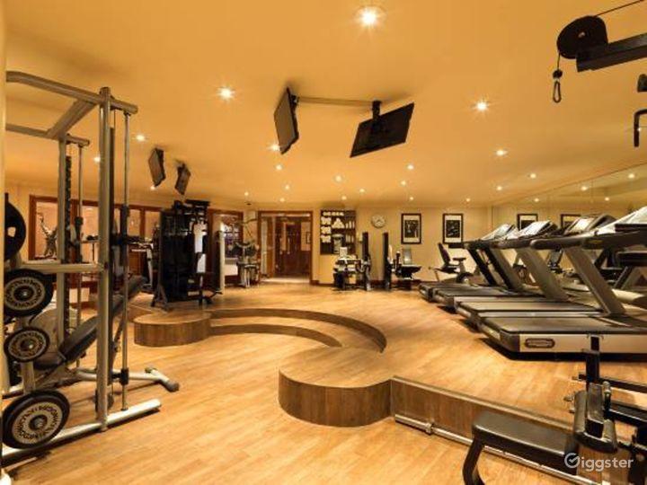 Modern Gym in London, Heathrow Photo 3