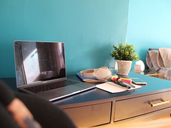 Eclectic Studio Apartment with Modern Touches Photo 4