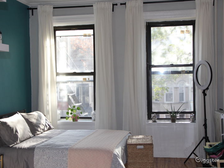Eclectic Studio Apartment with Modern Touches Photo 2