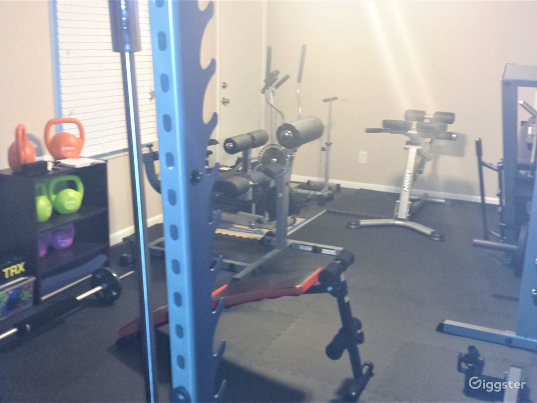 Renovated Ranch with a Gym Photo 4