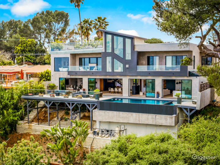 Bel Air Super Modern Mansion Photo 2