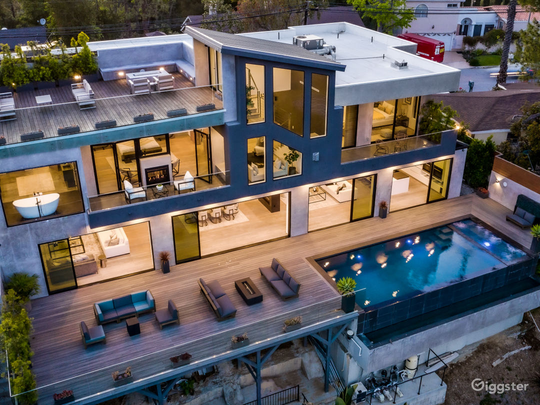Bel Air Super Modern Mansion Photo 1