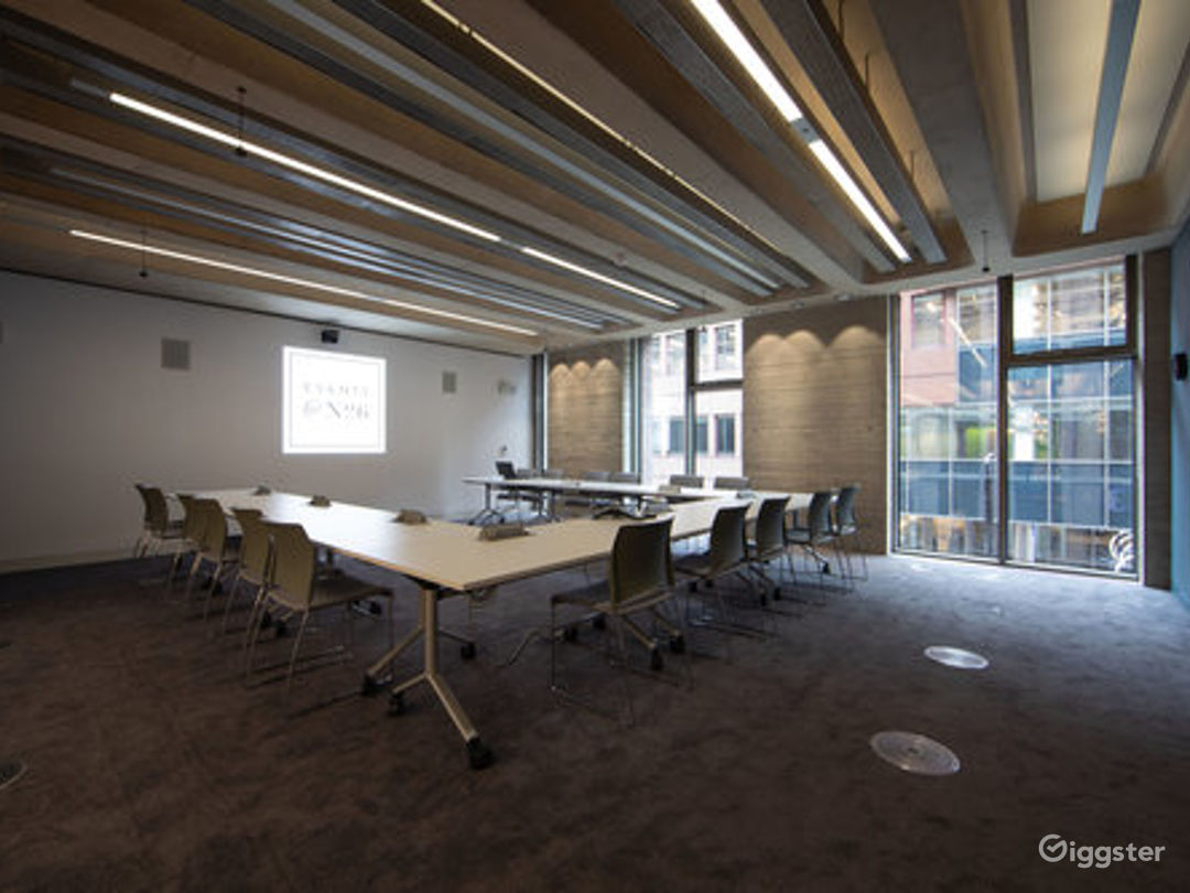 Furnished Meeting Room in London Photo 1