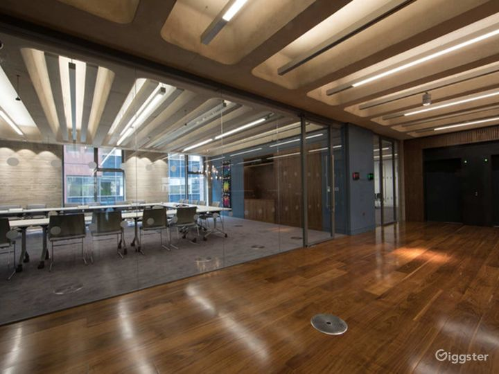 Furnished Meeting Room in London Photo 4