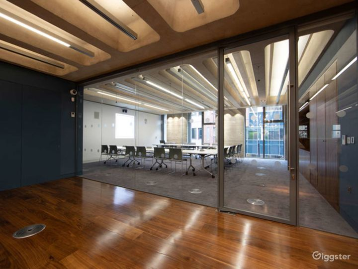 Furnished Meeting Room in London Photo 3