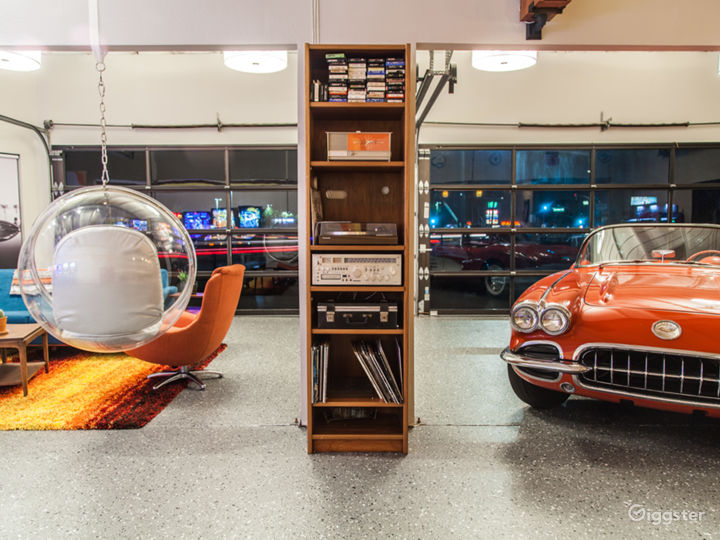 70s Themed Man Cave & Classic Cars Photo 5