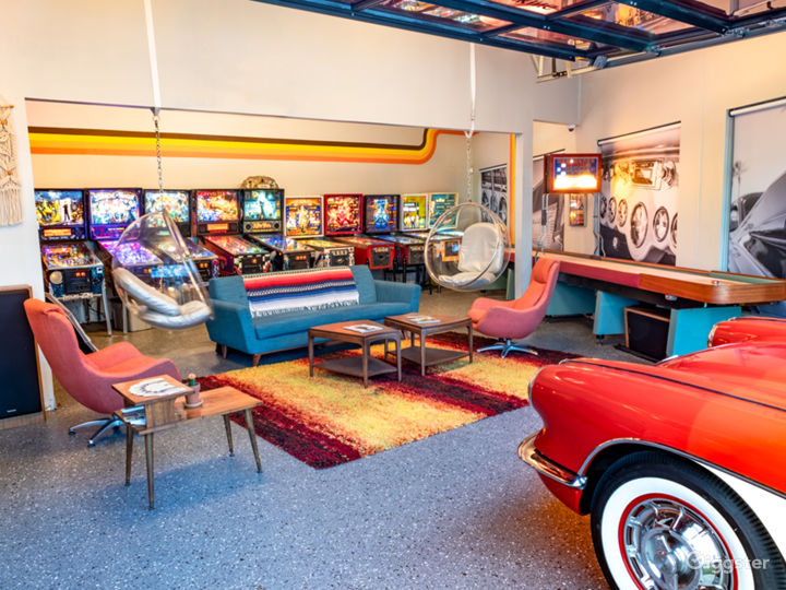 70s Themed Man Cave & Classic Cars