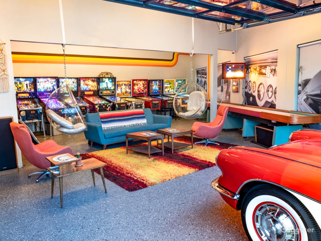 70s Themed Man Cave & Classic Cars Photo 1