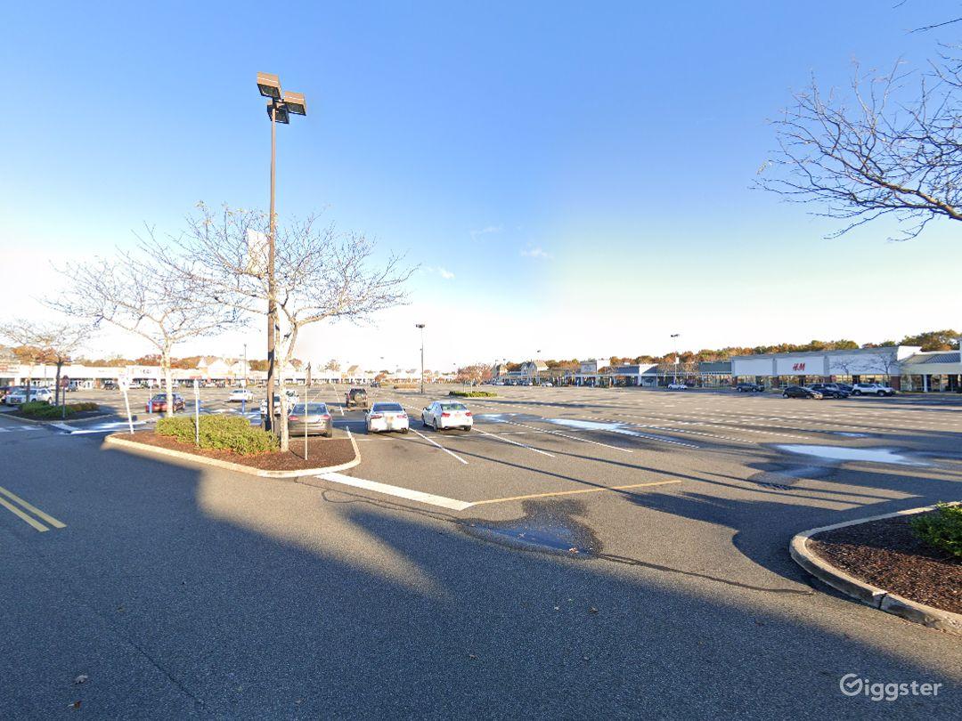 Open Spacious Location in Riverhead Photo 1