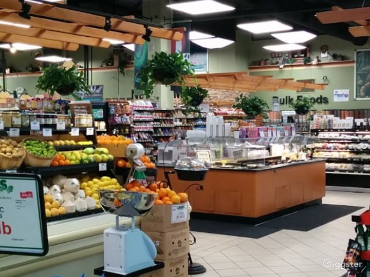 Spacious Health Food Store Perfect for Photoshoots and Productions in Ventura Photo 4