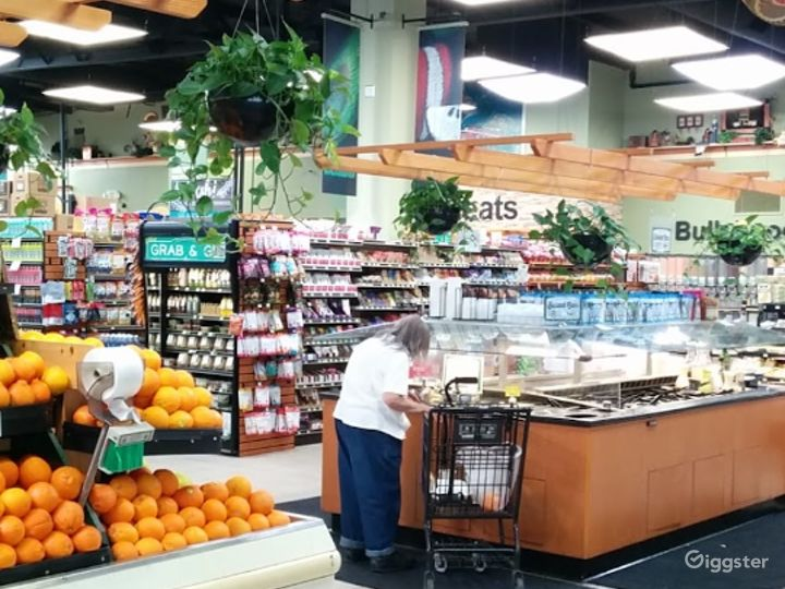 Spacious Health Food Store Perfect for Photoshoots and Productions in Ventura Photo 2
