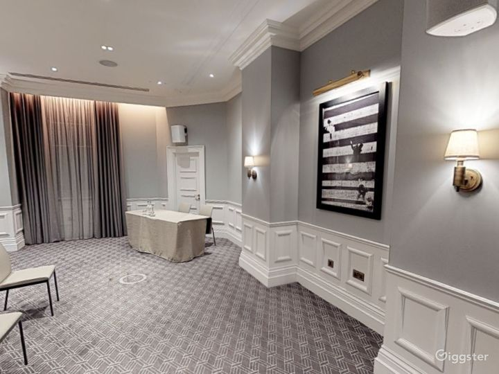 Stunning Carrington Room in Bloomsbury, London Photo 3