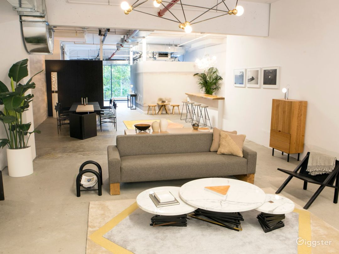 Contemporary, Light Filled Showroom Space Photo 1