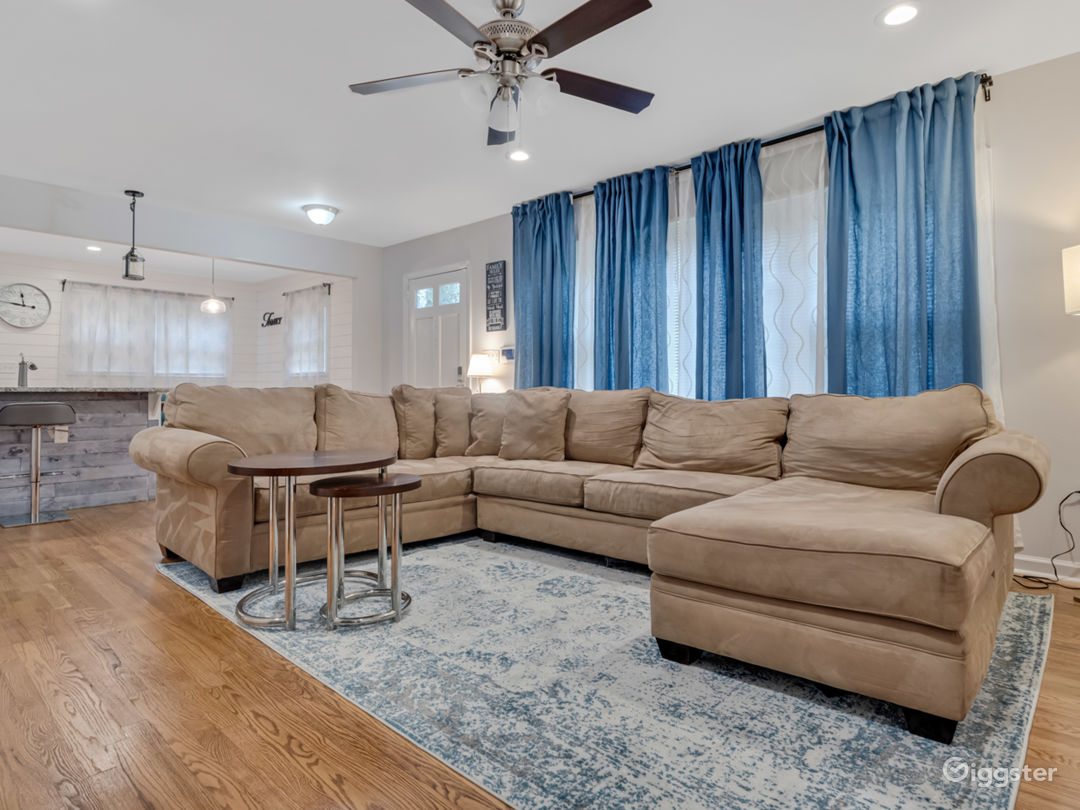 Newly Renovated Home with Upscale Amenities Photo 1