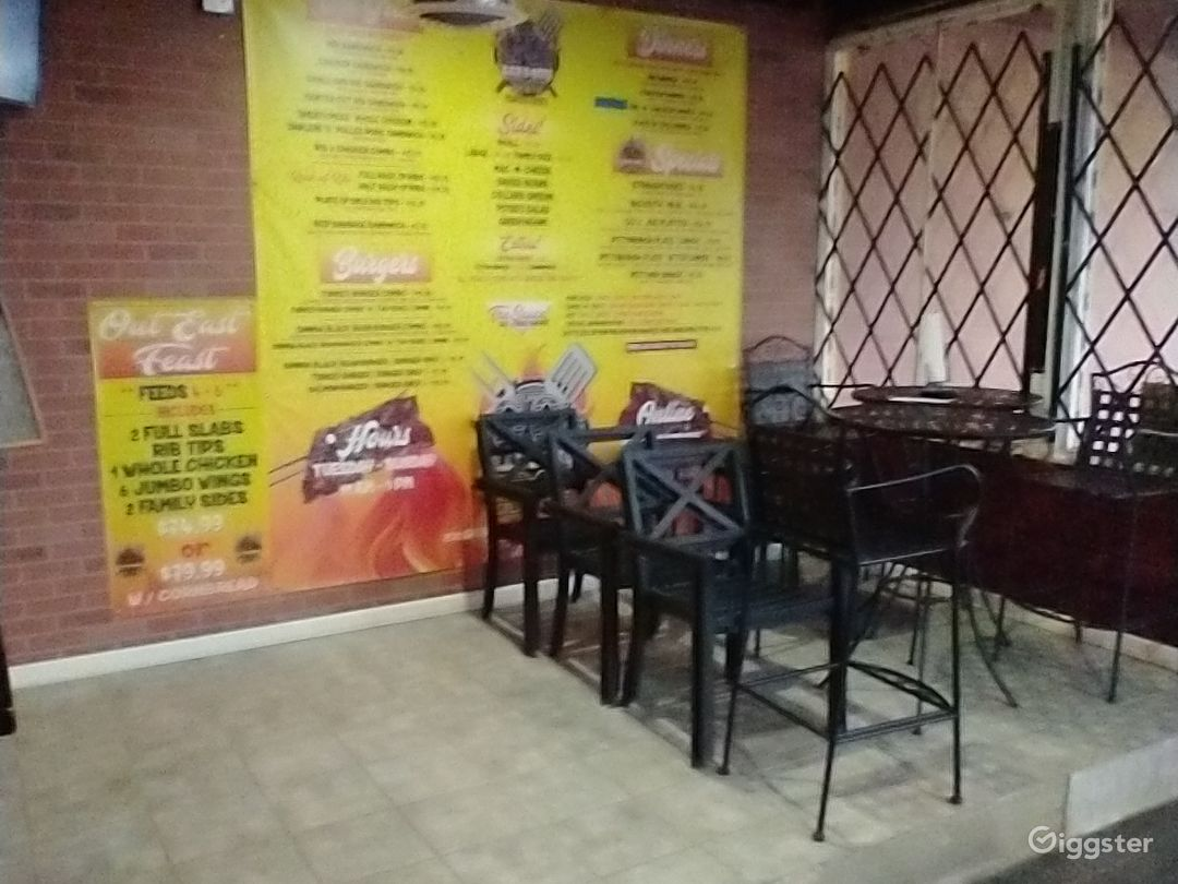 Split level waiting/dining area