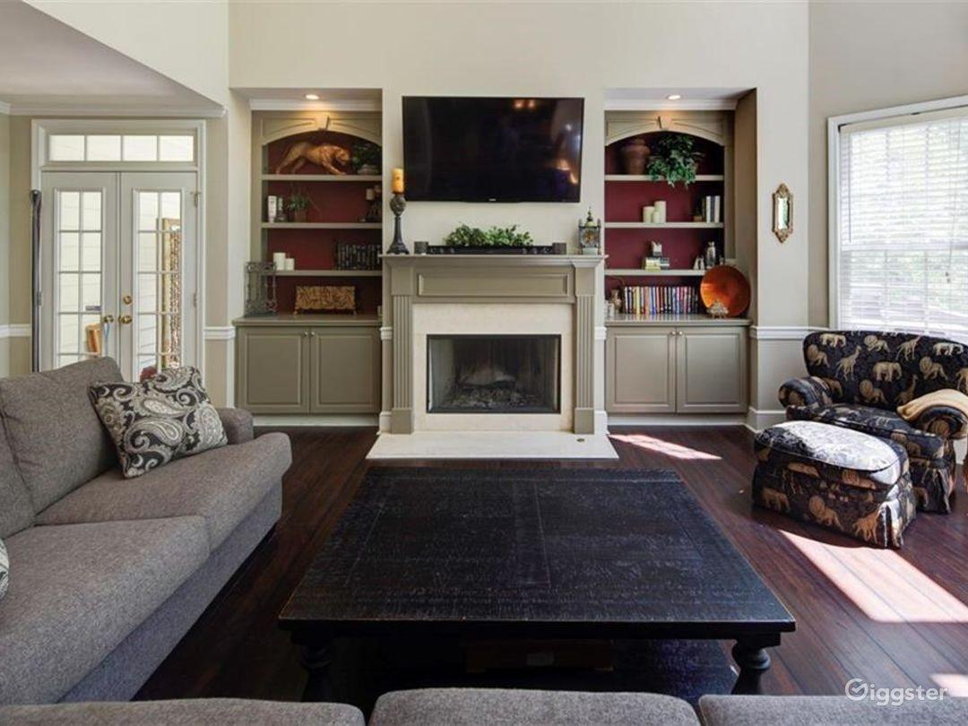 Executive Style Home Photo 4