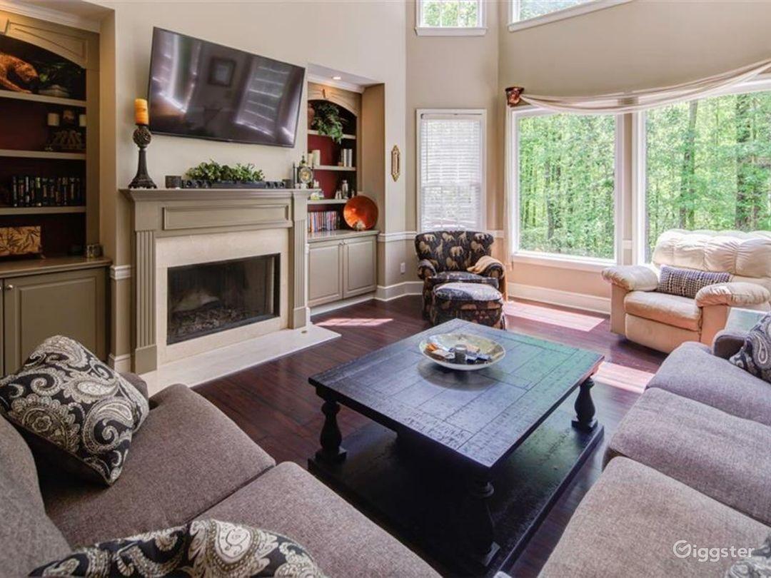Executive Style Home Photo 3