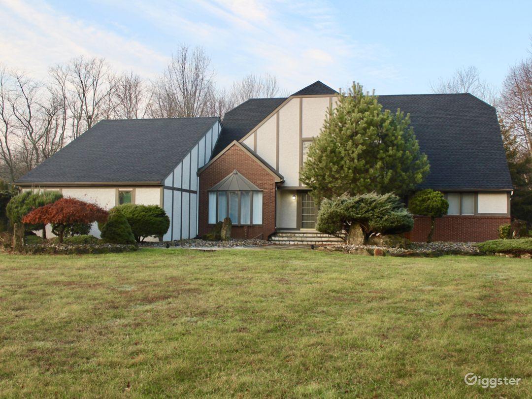 Affordable 4,500sq feet Tudor home. Photo 1