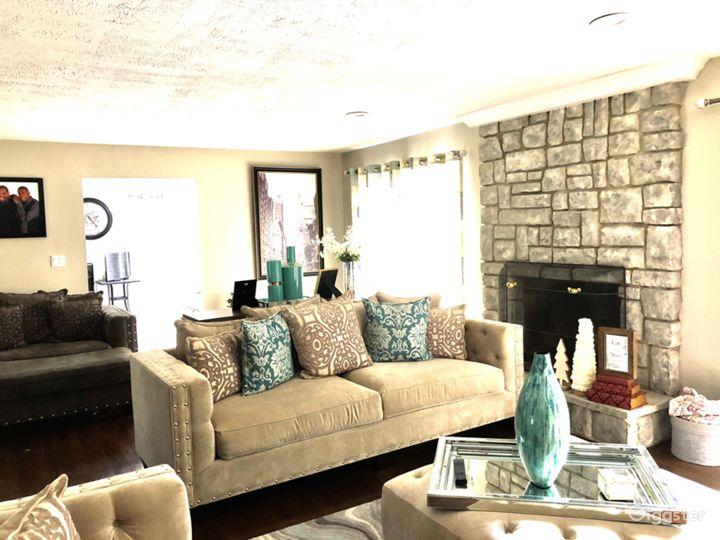 Affordable 4,500sq feet Tudor home. Photo 2