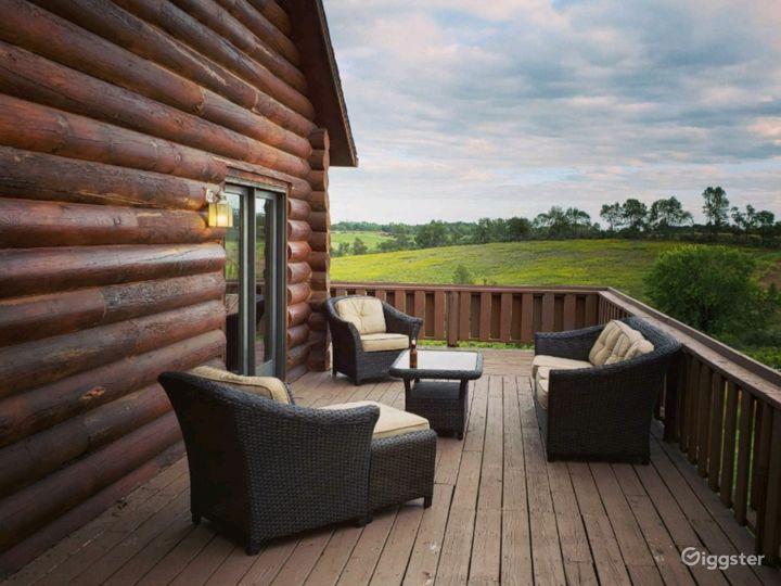 Log Home Vineyard Retreat     Photo 2