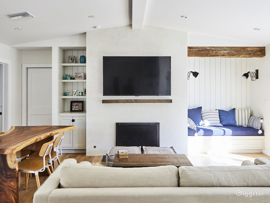 Hollywood Hills Beach Chic Bungalow Photo 4