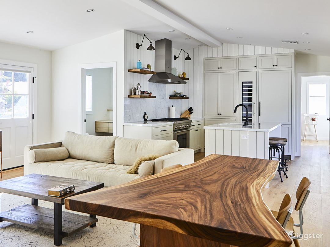 Hollywood Hills Beach Chic Bungalow Photo 5