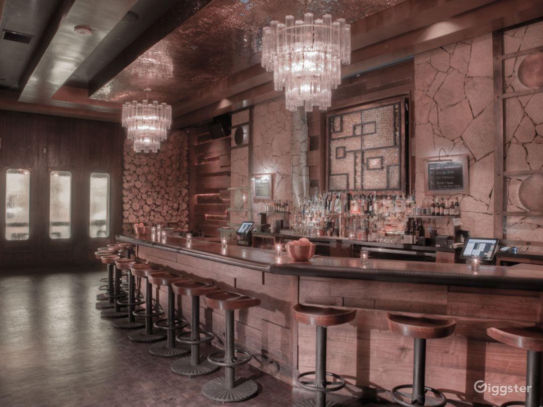 Visually Impressive Cocktail Lounge  Photo 4