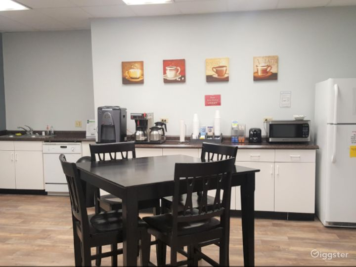 Conference Room in Ontario Photo 2