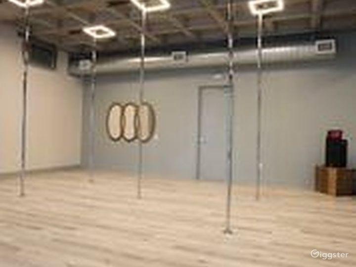 Exciting Pole Studio in Houston Photo 2