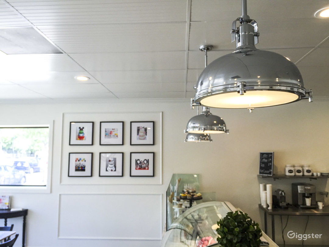 Airy Parisian Bakery w/ Kitchen & Storefront Cafe Photo 4