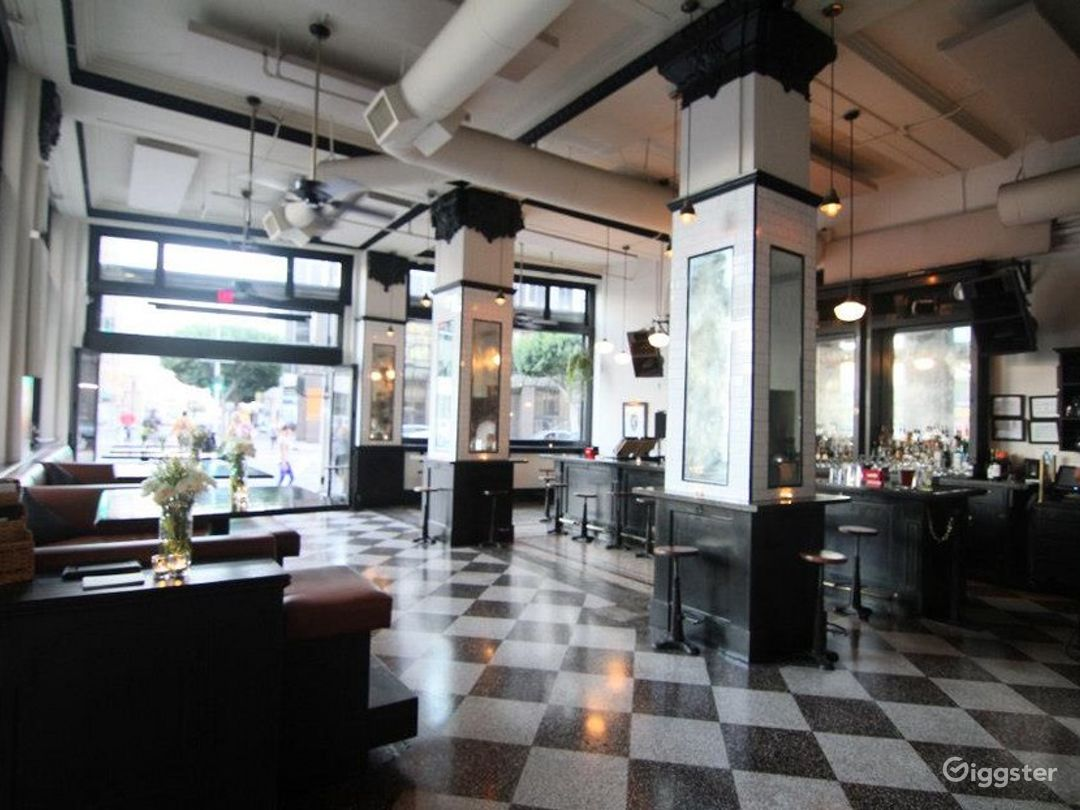 Downtown Los Angeles Restaurant and Bar Photo 1