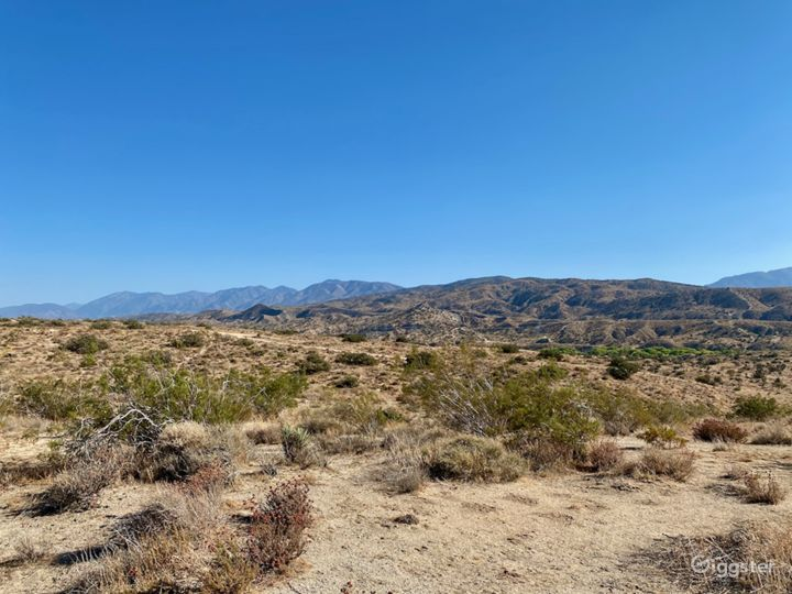 Secluded Desert Valley - 100 acres of high desert Photo 4