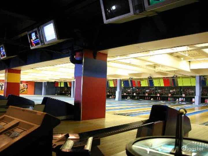 Bowling alley, bar and events venue: Location 4064 Photo 4