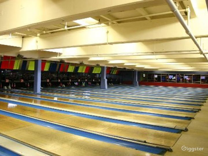 Bowling alley, bar and events venue: Location 4064 Photo 2