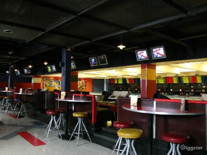 Bowling alley, bar and events venue: Location 4064 Photo 5