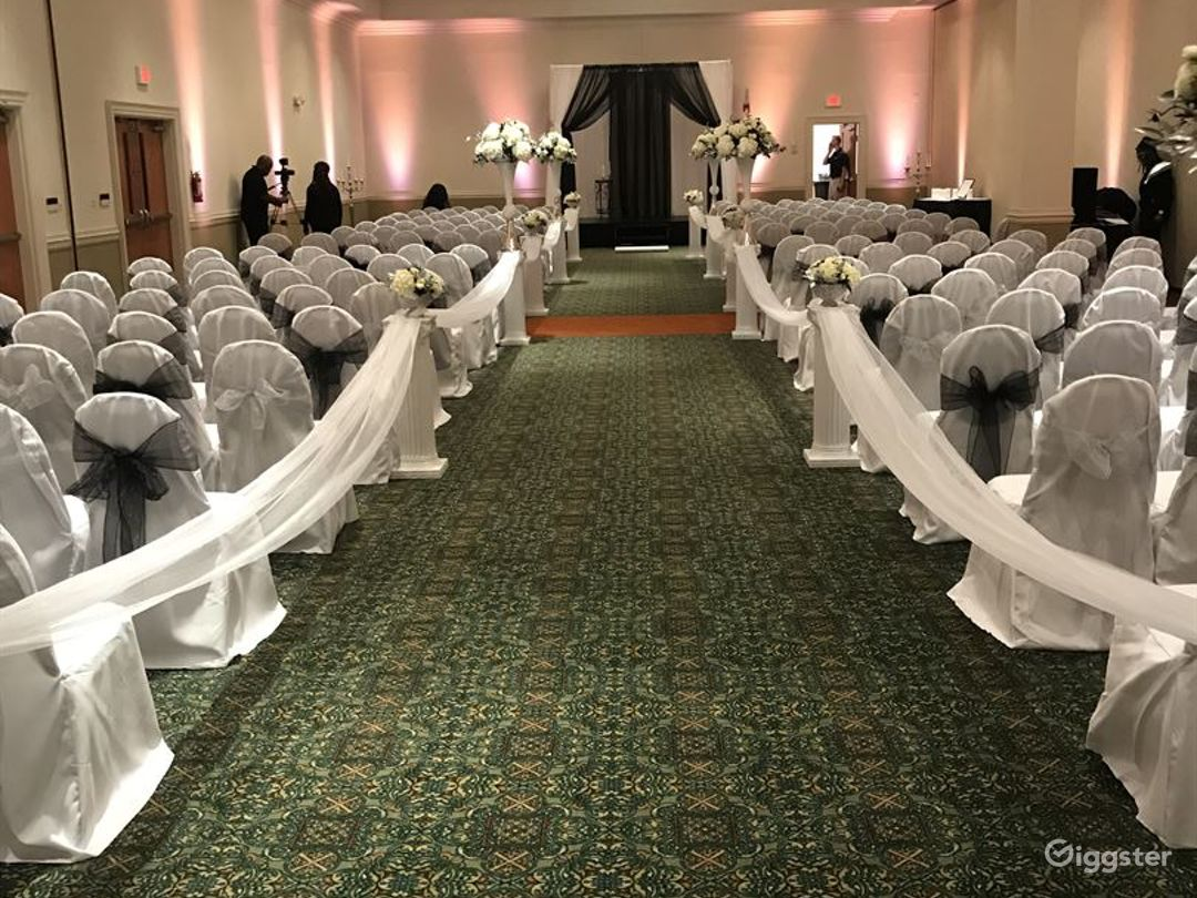 Lavish Ballroom in Fredericksburg Photo 1