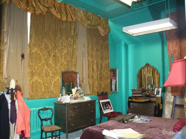 Ornate artists loft and studio: Location 3344 Photo 3