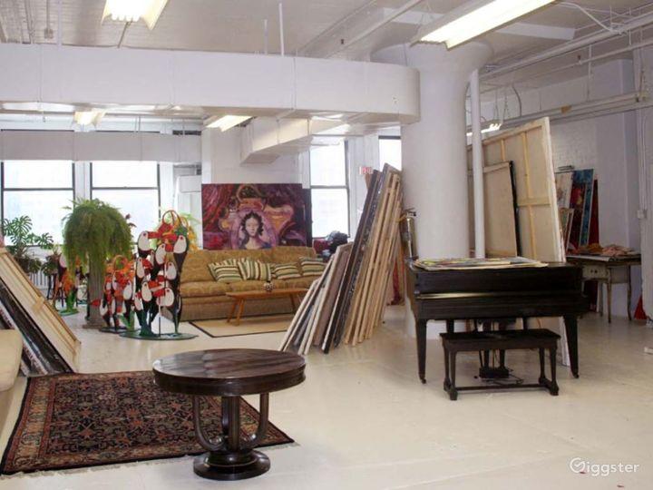 Ornate artists loft and studio: Location 3344 Photo 5