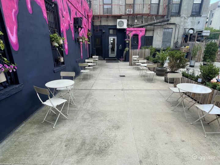 Cozy and Cute Juice Bar in East Harlem Photo 4