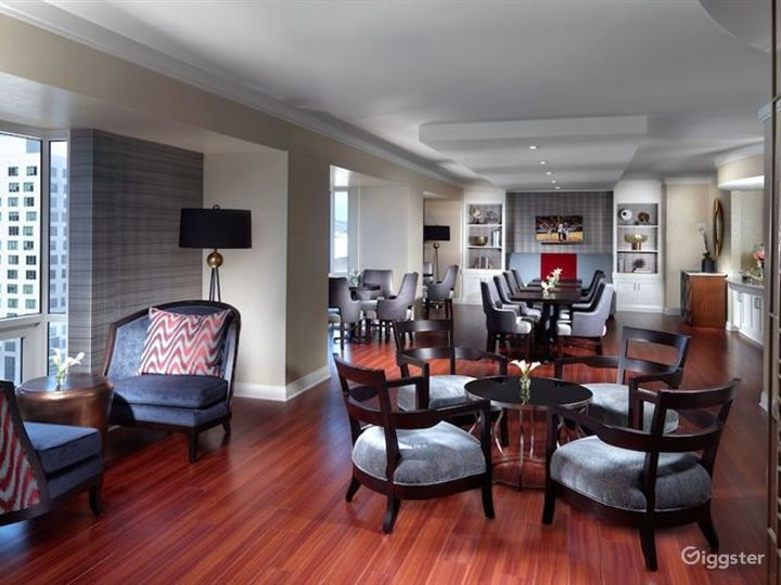 Luxury Hotel Bar and Restaurant Photo 5
