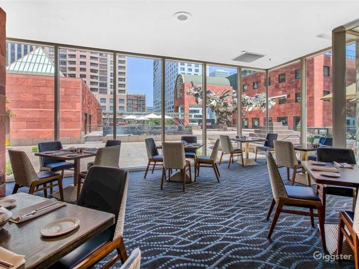 Luxury Hotel Bar and Restaurant Photo 4