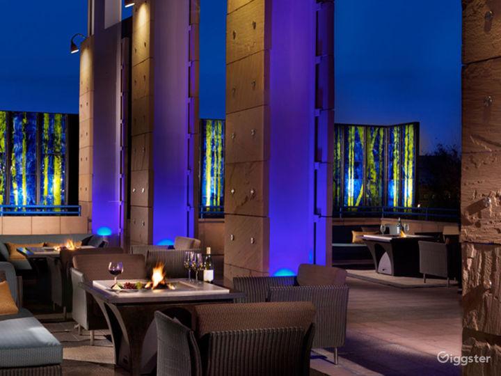 Luxury Hotel Bar and Restaurant Photo 2