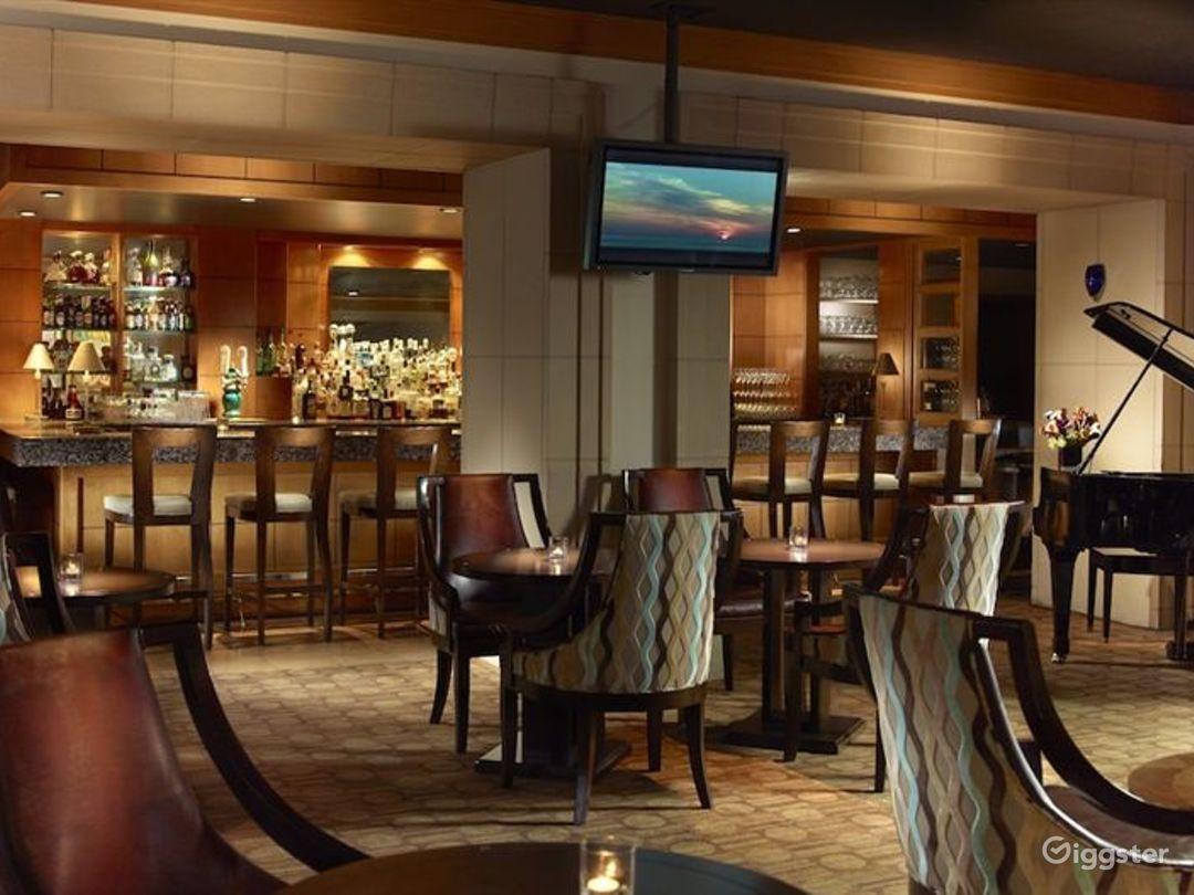 Luxury Hotel Bar and Restaurant Photo 1