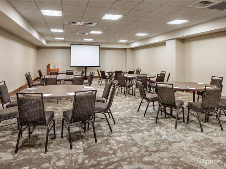 Luxury Conference Rooms w/ In-house Event Experts Photo 3