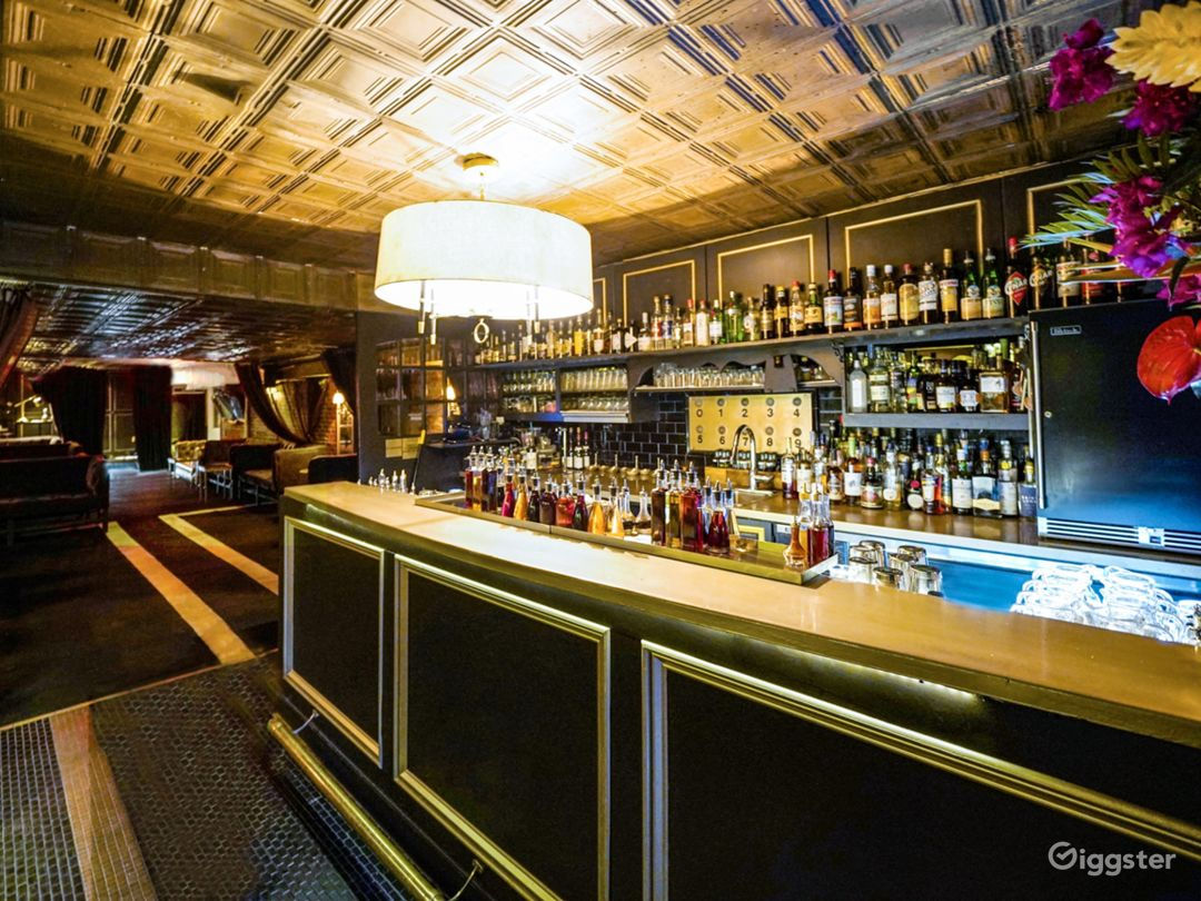 Elegant Speakeasy Bar for shoots and events Photo 4