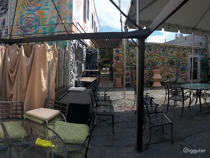 Harold's Coffee Lounge - Back patio